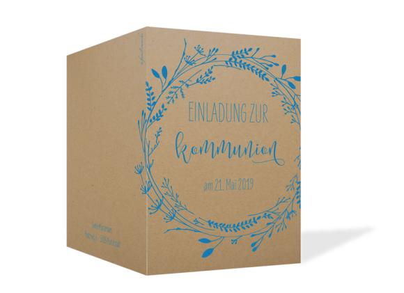 Einladung zur Kommunion (Klappkarte A6), Motiv: Blumenkranz Natural, Aussenansicht, Farbvariante: blau