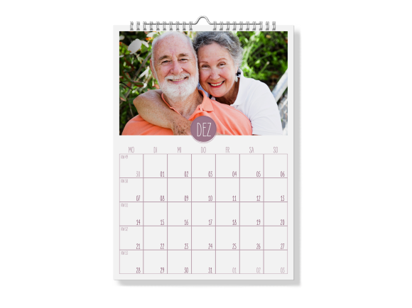Wandkalender A4 (matt) - Spiralbindung, Motiv: Runde Sache, Rückseite, Farbvariante: aubergine