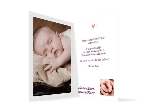 Geburtskarte (Klappkarte, hochkant), Motiv: Kaija/Kasper, Innenansicht, Farbversion: brombeer/aprikot