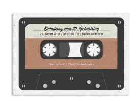 """Einladungspostkarte """"Kassette"""" (A6 - quer) beige"""