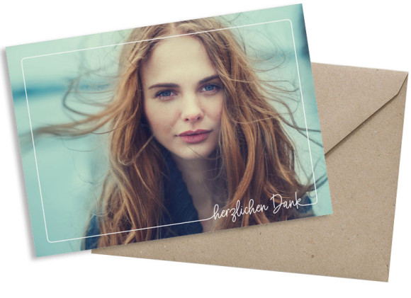 Schlichte Postkarte mit Foto, Motiv: Kraftvoll D, mit Briefhülle, Farbvariante: weiss