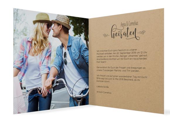 Einladungskarten Hochzeit (Klappkarte quadratisch, mit Foto), Motiv: Blumenkranz natural, Innenansicht, Farbvariante: schwarz