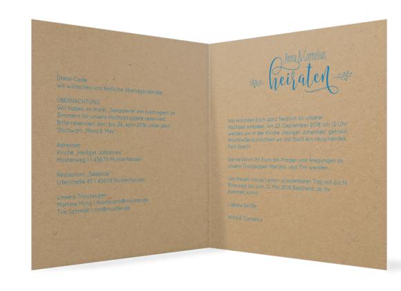 Hochzeitseinladung (quadratische Klappkarte, Kraftpapier), Motiv: Blumenkranz natural, Innenansicht, Farbvariante: blau