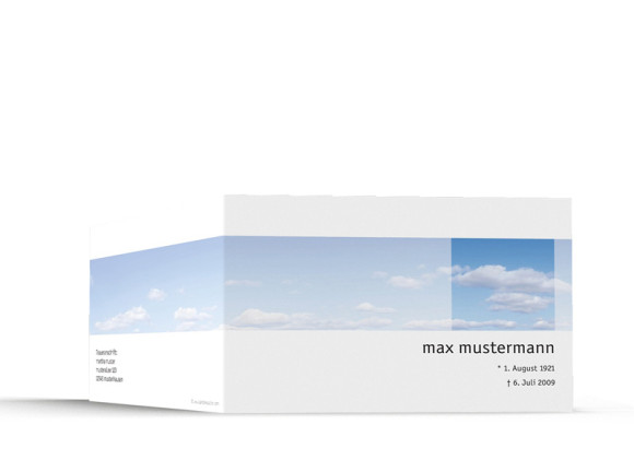 Außenansicht, Trauerkarte Motiv Himmel, Farbversion: blau/weiß