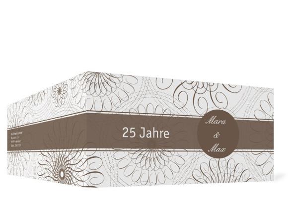 Außenansicht, Einladungs-Klappkarte zur Silbernen Hochzeit (Format DIN Lang), Motiv Mandala, Farbversion: beige