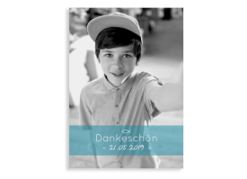 """Kommunionseinladung """"Blickfang"""" (Postkarte Foto Hochformat) hellblau"""