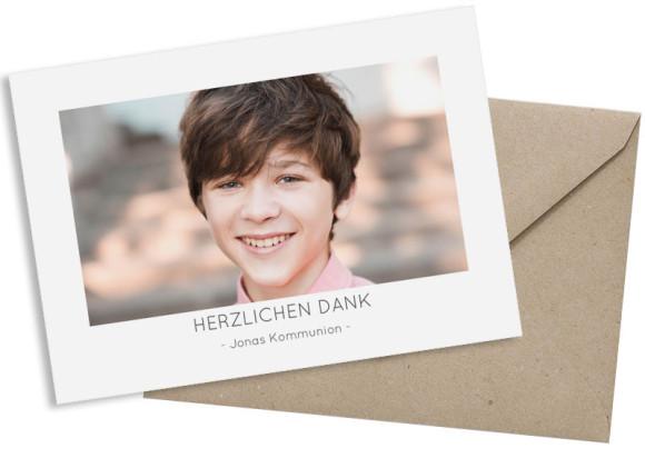 Kommunion Danksagung als Postkarte A6 mit Foto, Motiv: Ausblick KOM, mit Briefhülle, Farbvariante: grau